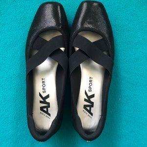 AK Sport Ultimo Black Embossed Fabric Flat Size 9